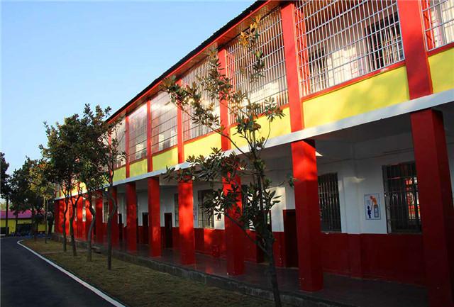 湖南湘潭励铮素质教育学校是正规学校吗?
