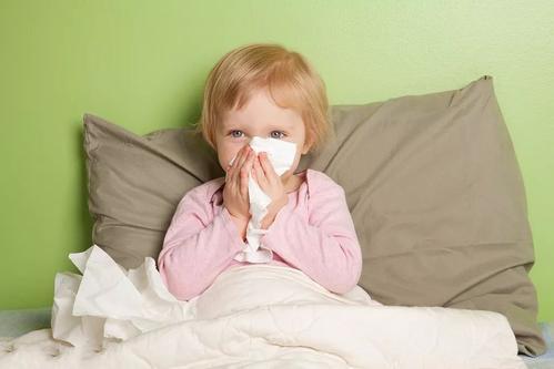 流感季节高发期将来 预防<font color=red>新冠肺炎</font>也别忘流感的危害