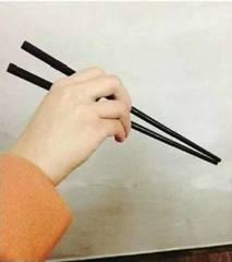 刘涛教你拿筷子?其实你连条蛇都不如……